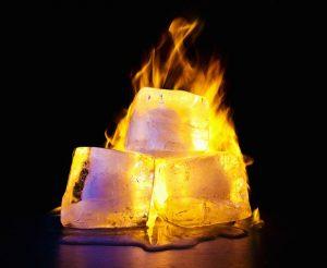 Percobaan Membakar Es Batu